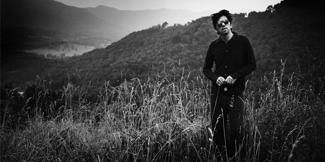 Articles: The Sad and Beautiful World of Sparklehorse's Mark Linkous