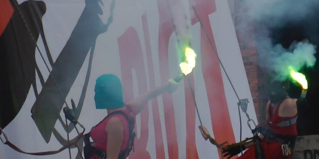 Pussy Riot Members Thank Supporters, Burn Vladimir Putin Photo in New Video