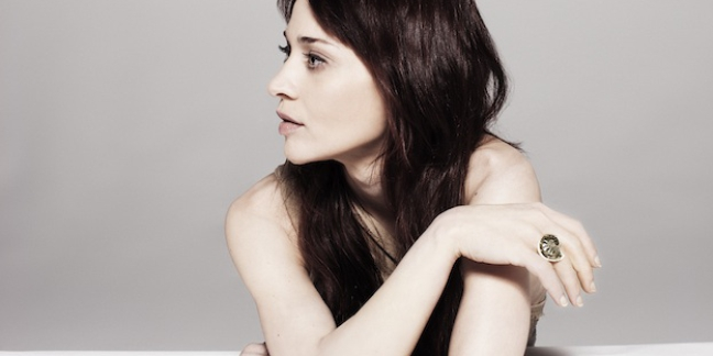 "Fiona Apple Gets Nasty Letter From Texas Sheriff Department Telling Her to ""Shut Up and Sing"""