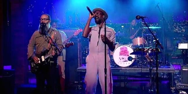 "TV on the Radio Perform ""Happy Idiot"" on ""Letterman"""