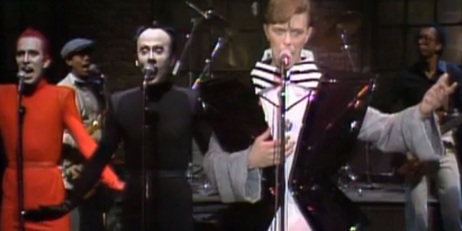 """Saturday Night Live"" Pays Tribute to David Bowie With Fred Armisen and Vintage Clips"