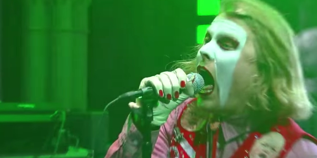 """Ty Segall and the Muggers Perform """"Candy Sam"""" on """"Colbert"""""""