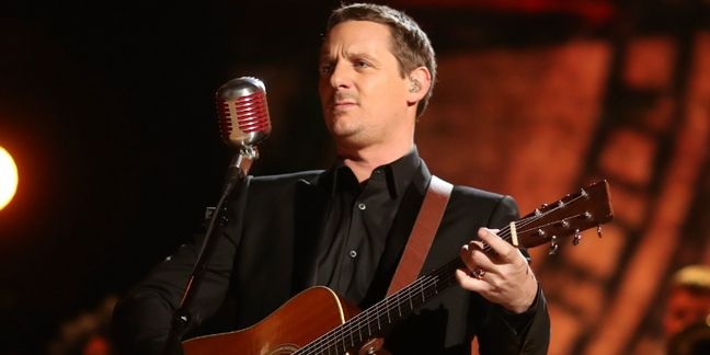 """Sturgill Simpson Shares New Video for """"All Around You"""": Watch"""